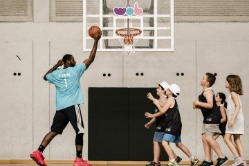 Actividades Baloncesto en Campamento WOB